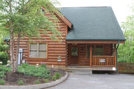 Luxury cabin - Stay Sun-Wed for $120/night - Cabin