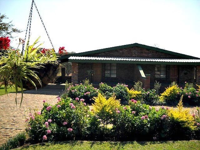 Overnight accommodation - Louis Trichardt - Chalet