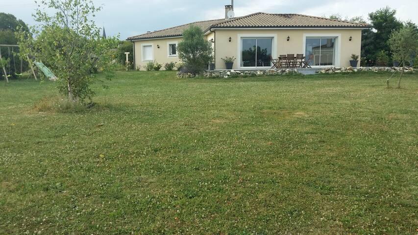 Maison au coeur des vignes - Belvès-de-Castillon - Flat