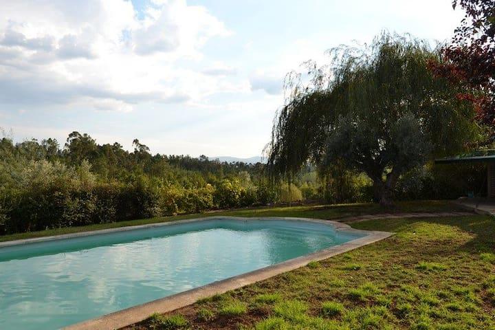 Casa do Campo com piscina e jardim