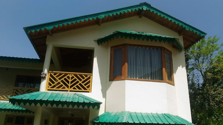 Little Garima's Cottage (Home Stay)