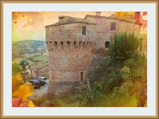 Vacanza relax nel Castello - Loretello - Dům