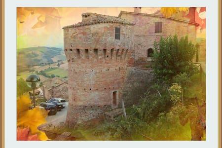 Vacanza relax nel Castello - Loretello - Ev