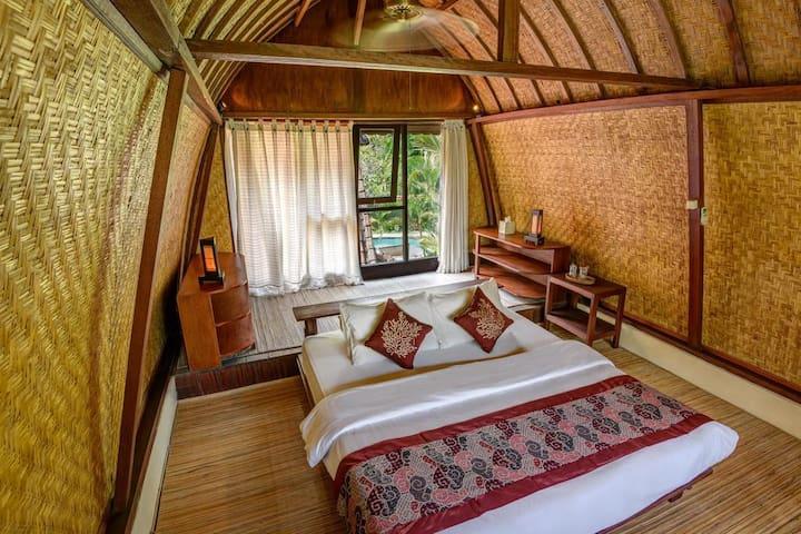 4_BR Villa with Pool & Garden View - Breakfast KP