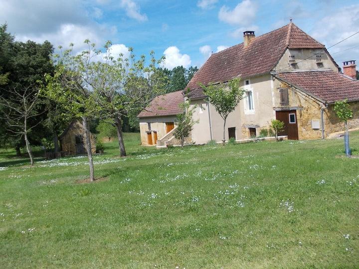 LES BARDES Gourdon entre Périgord et Quercy
