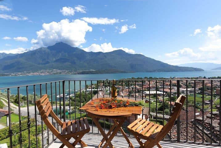 La Vedetta : wonderful view and private garden - Vercana - Apartment