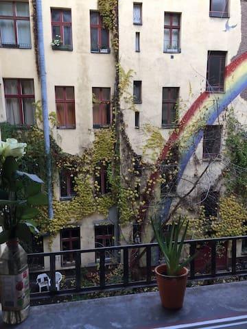 Nette, gemütliche Wohnung im Herzen Kreuzberg.