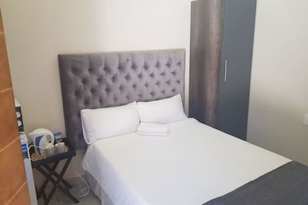 Maraba Manor - Welcome Home - Clean and Safe Accom