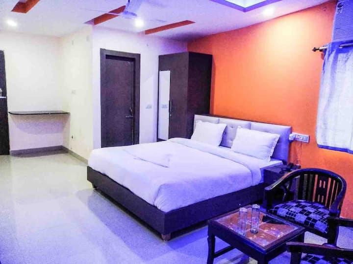 Vinayaka Hotel