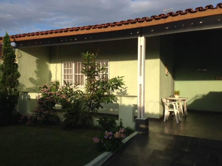 Casa térrea- 2 quadras da praia Gaivotas- Itanhaém