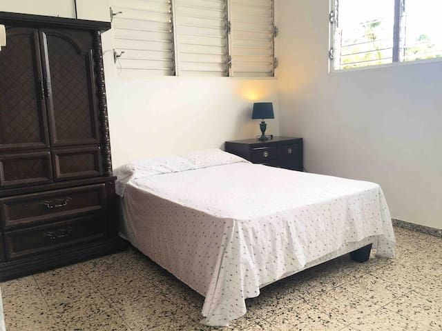 Private Room in Quiet Location Santo Domingo #2
