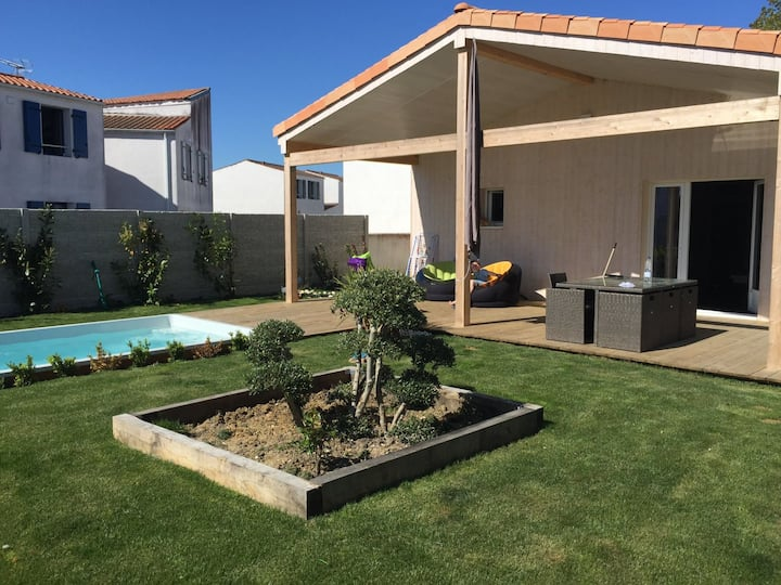 Villa 3 chambres avec piscine et jardin privatif
