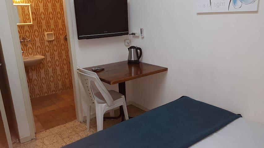 Beit yehezkel room no.2