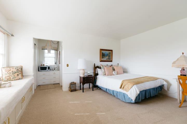 Elegant Carmel Master Suite