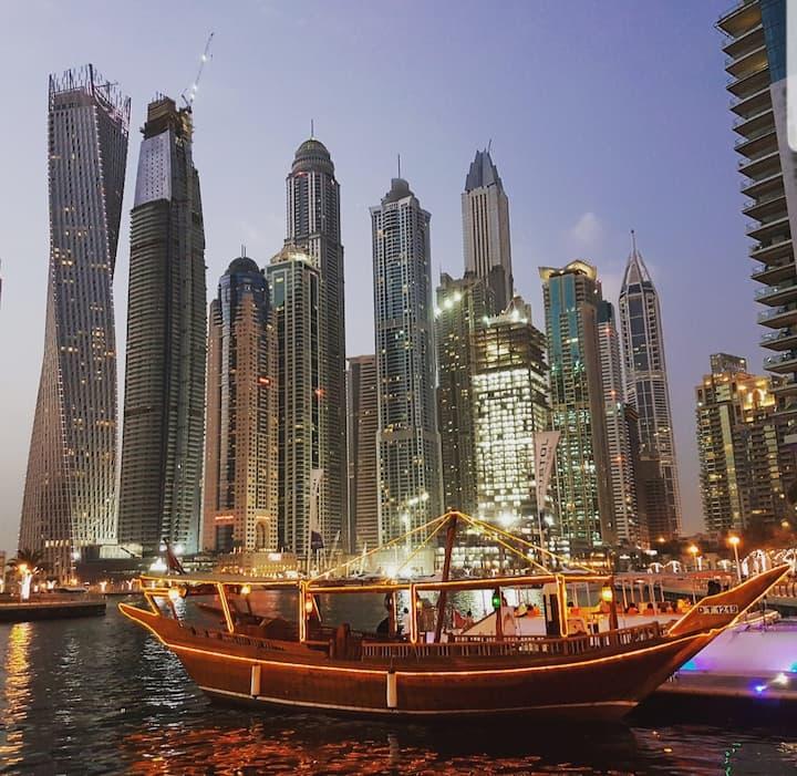1BR Retreat, play/enjoy/celebrate, Dubai Marina.