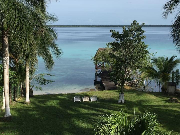 Off-grid waterfront retreat: Casa Paraíso Maya