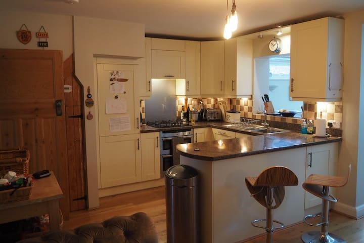South Downs Family Home, minutes from Brighton