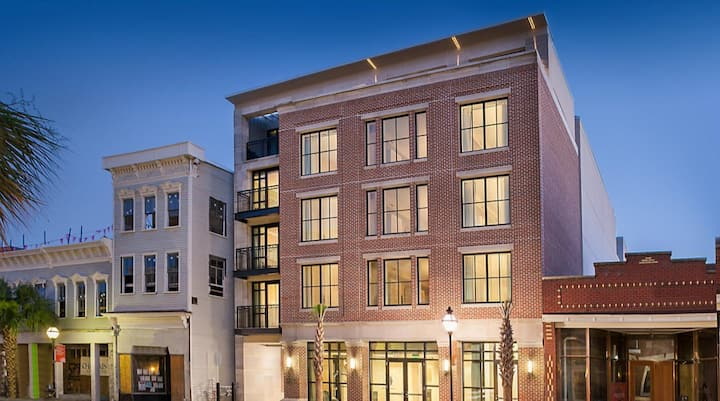 Historic Charleston SC Studio Sleeps 4