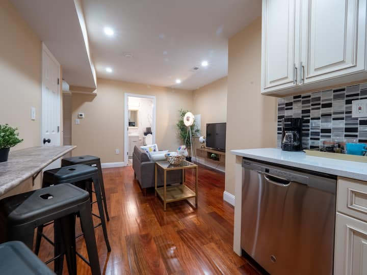 Top Floor Beautiful Townhome in Rittenhouse Square