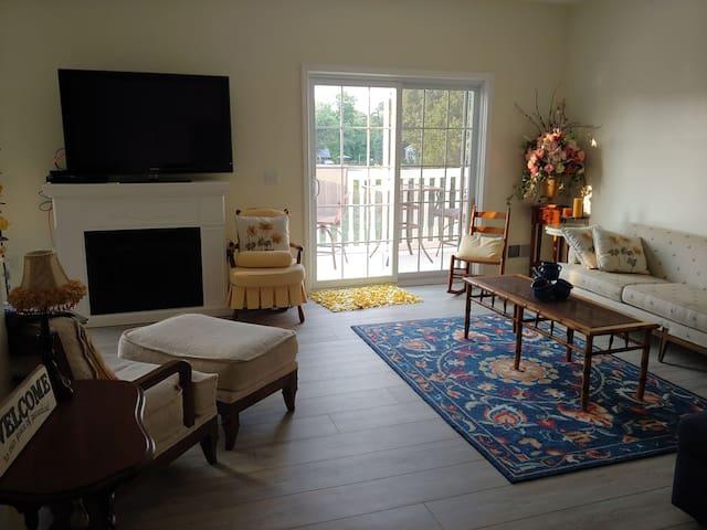 Caseville 2 bedroom, 2 bath condo