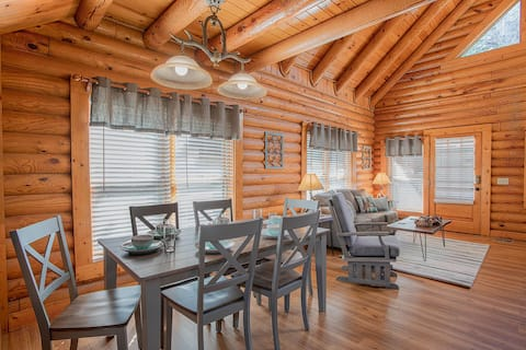 Deer Tracks Retreat in Pigeon Forge!
