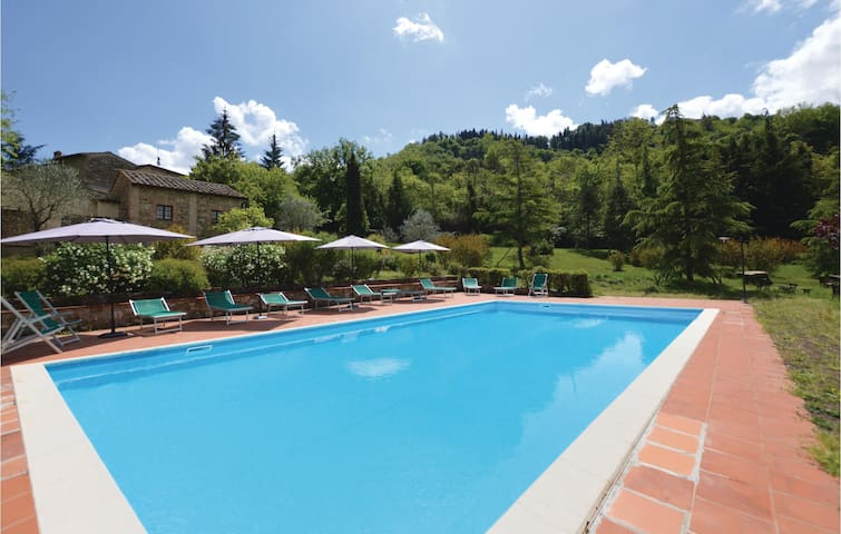 Holiday apartment with 3 bedrooms on 100 m² in Radda in Chianti