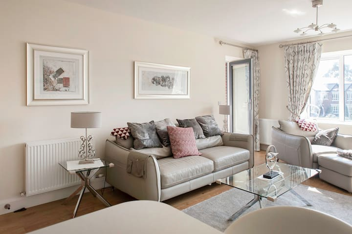 Brand new,Superbly designed Apartment, Castleknock - Dublin - Daire