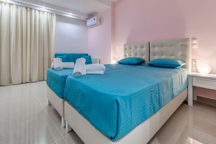 NEW FAMILLY HOTEL-DOUBLE ROOM 1 - Gouvia - Hotel boutique
