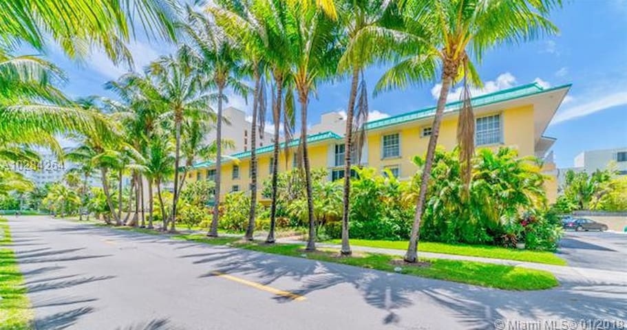 One Bedroom condo, just a few steps from the beach