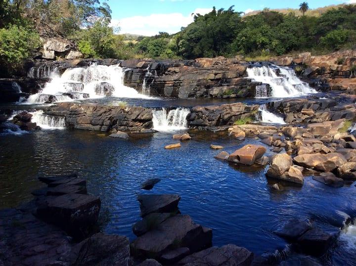 Casa a beira do rio e cachoeira na Serra do Cipó