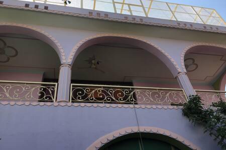 Tulsi Nivas, apartment and studio  apartment