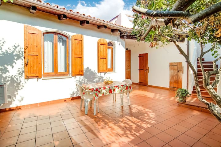 Suave Villa in La Ciaccia with Garden and Roof Terrace