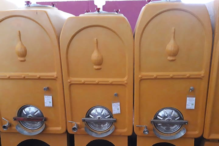 Bilocale per degustazione orange wine