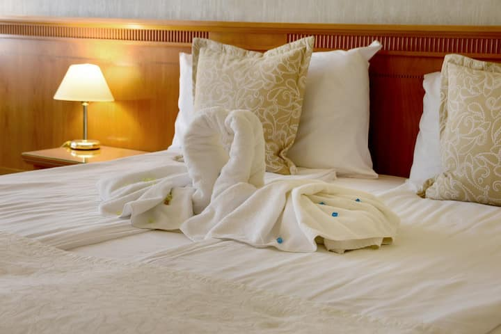 Your place in Sofia- Downtown hotel