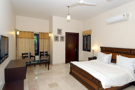 Double Bed Shyam Room - Agra - Bed & Breakfast