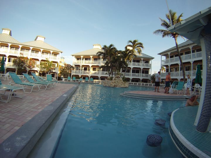 Grand Cayman Beachfront Condo Hotel