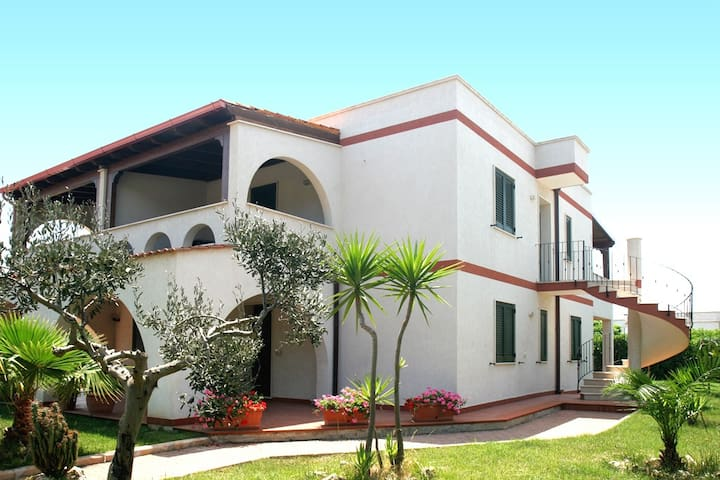 Holiday house for rent in Ostuni, 100 mt from the - Specchiolla - Lägenhet