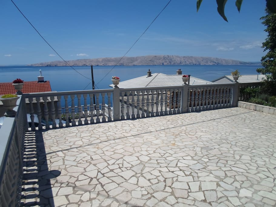 Terrace and beautiful view. All terace for you...