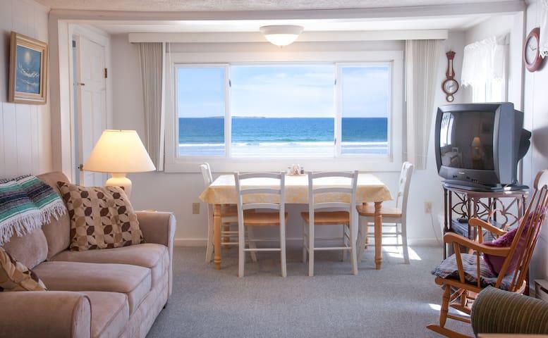 Excellent Beachfront Apartment - 올드 오차드 비치(Old Orchard Beach) - 아파트