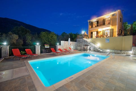 STUNNING TRANQUIL VILLA WITH PRIVATE POOL
