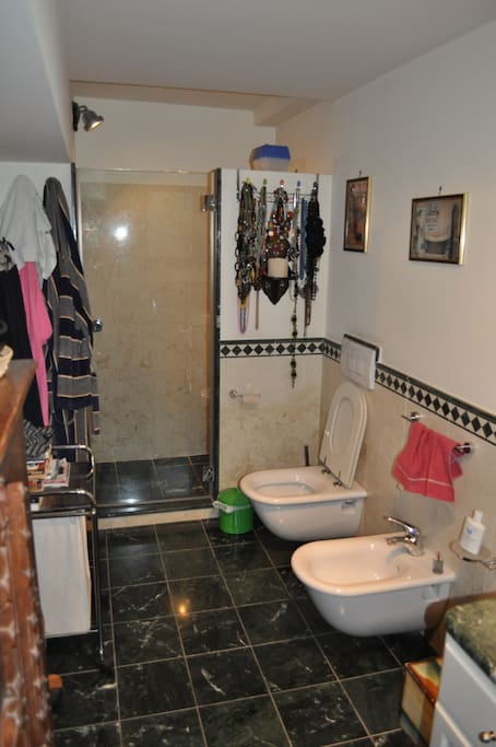 particolare del bagno privato