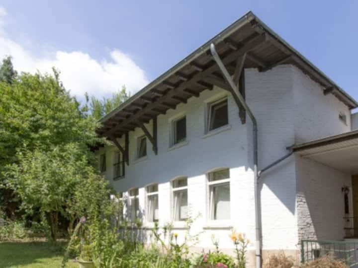 House near Düsseldorf for 10 people, 5 bath