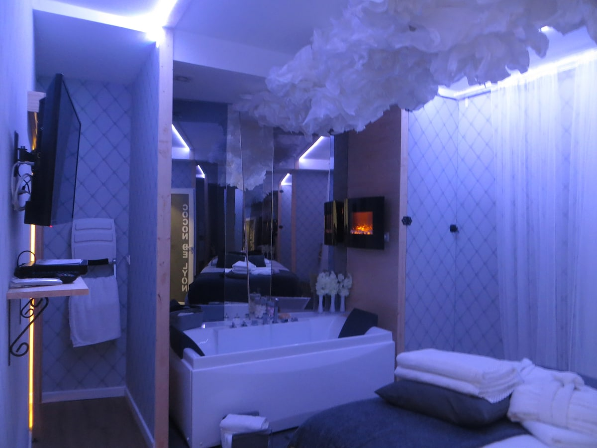 Hotel Jacuzzi Privatif Var. Cool Fabulous Chambre Avec Spa ...