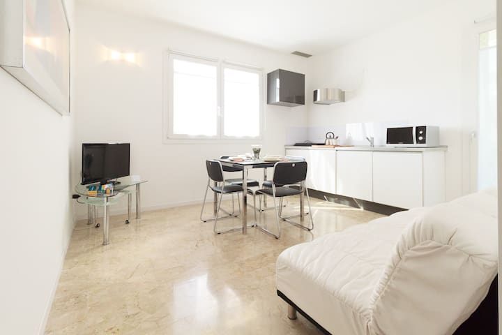 Brand new elegant flat with big terrace & carpark - Venedig