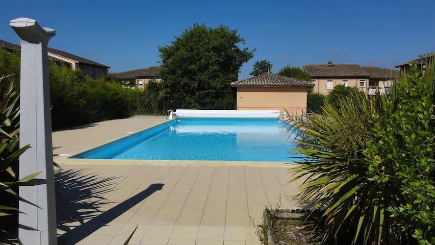 Appartement ensoleillé avec piscine - Olonne-sur-Mer - Apartamento