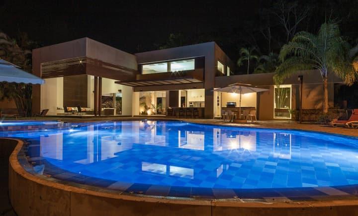 Mesa de Yeguas,Anapoima, Espectacular casa