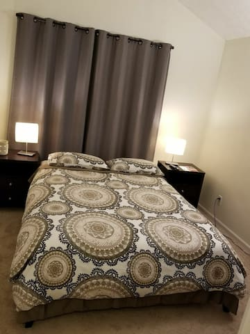 Clean & Comfortable room in great neighborhood.