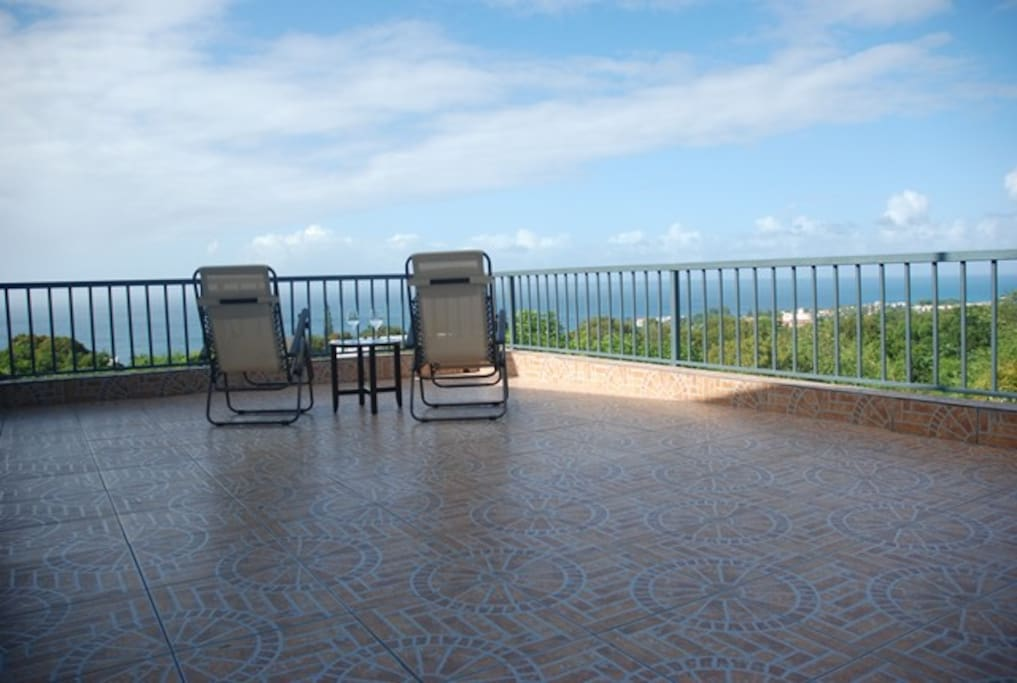 Panoramic Ocean View Balcony