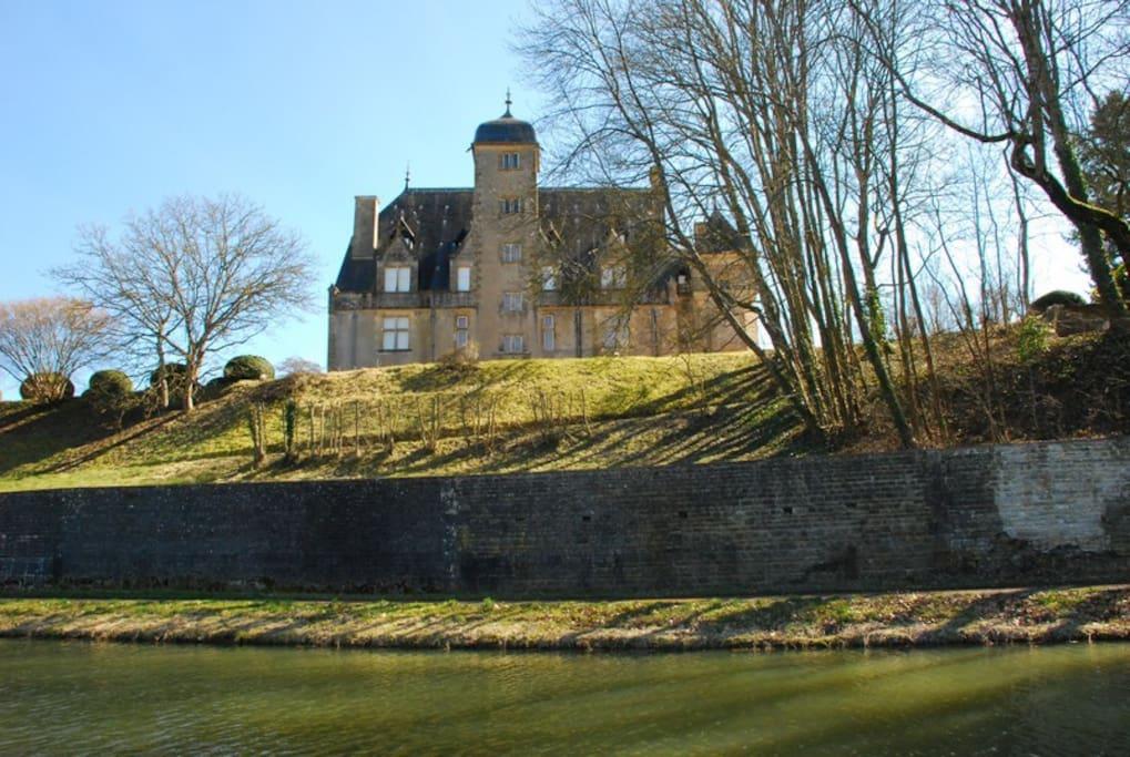Château de Châtillon-en-Bazois