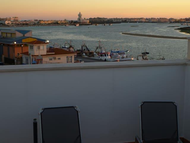 Ático dúplex con vistas a la ría - Isla Cristina - Apartamento